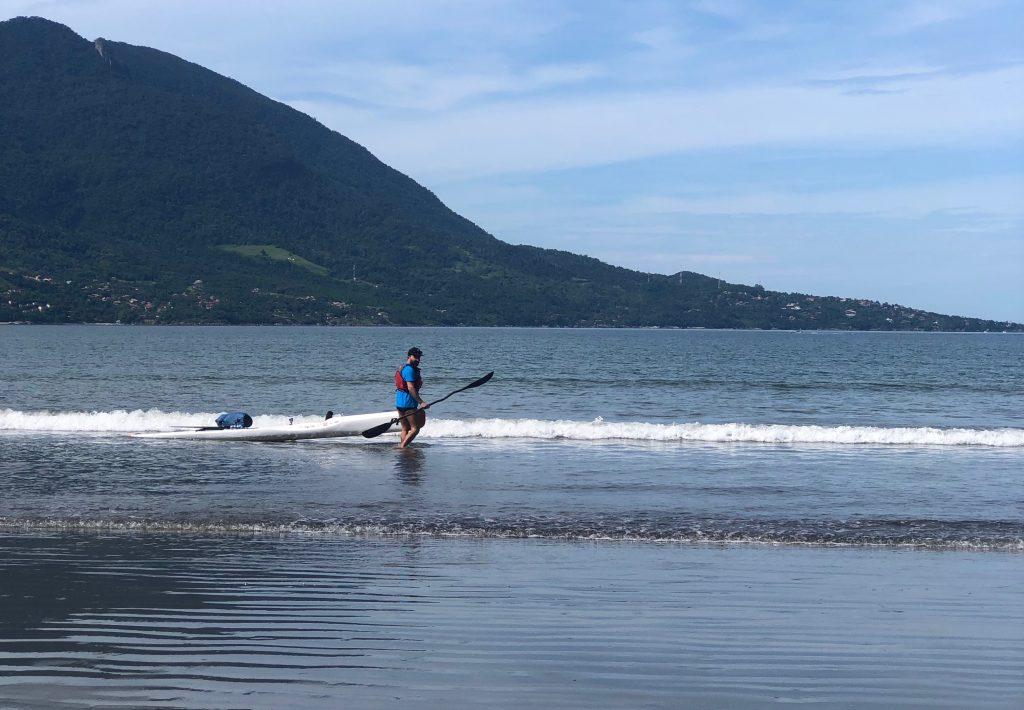 Praia de Barequeçaba, saindo com o Surfski