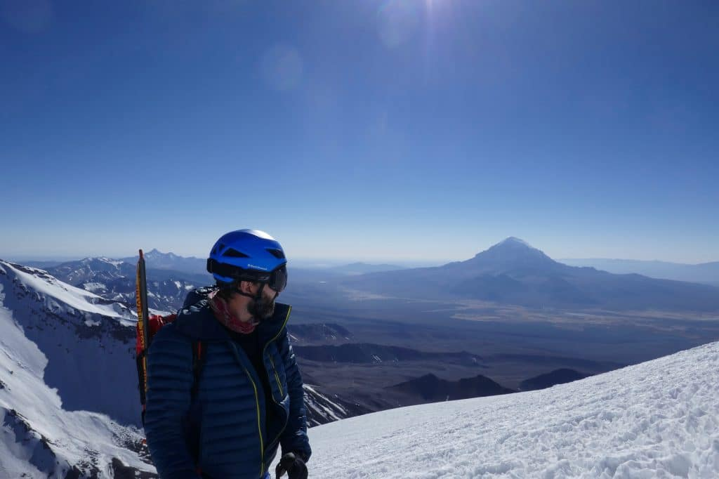 Escalada do Parinacota com o Nevado Sajama ao fundo