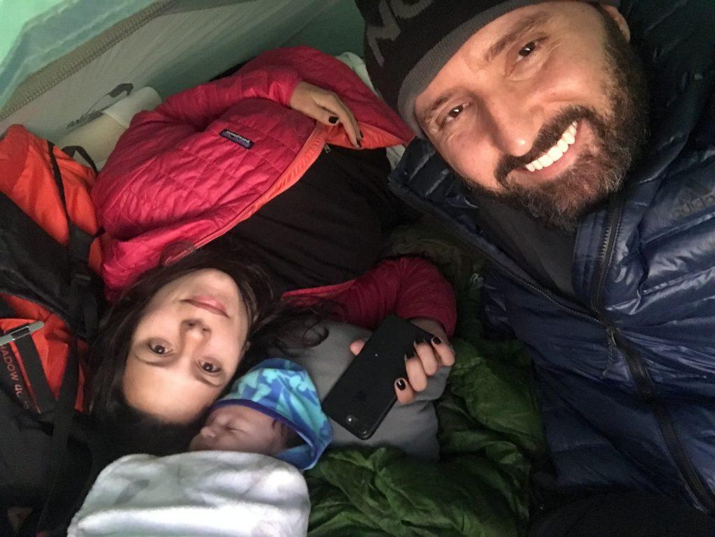 6 meses depois, acampando na Pedra da Macela, Eu, Má e Gabi com 40 dias!