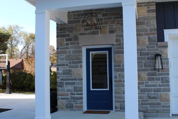The-Grove-Hotel-Lakefront-Rental-front-door-578x386