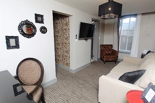 Room 8-2 (1024x683)