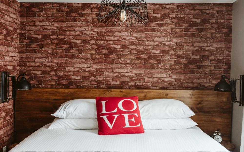 Room 14 bed