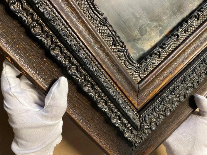 Fire damaged Victorian Frame. Frame restoration services. frame repair, gilding, frame treatment. frame restoration. Custom framing services