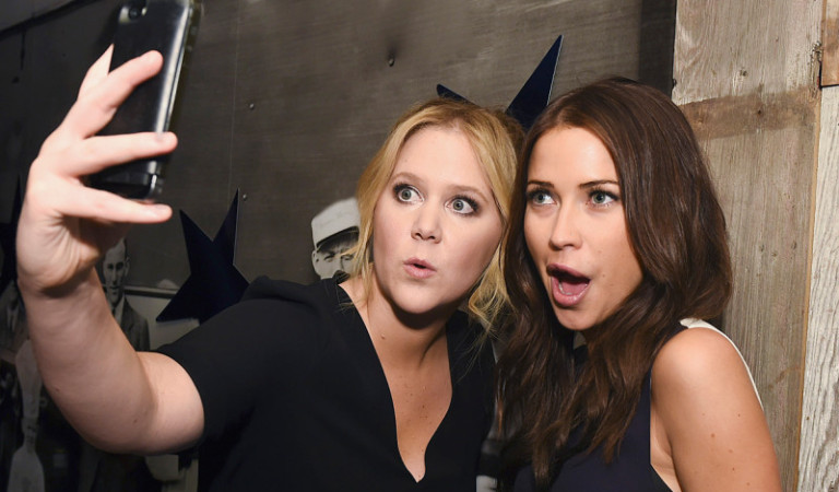 Amy Schumer and Kaitlyn have loads of fun during their amazing group date.