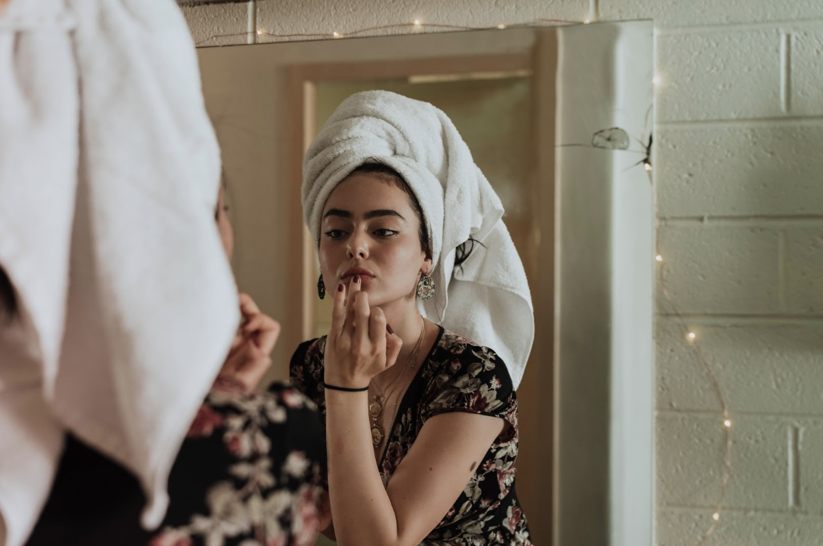 Strategies For Keeping Your Skin Youthful And Glowing