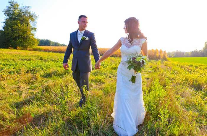 Country Backyard Wedding – Bride's favorite moment