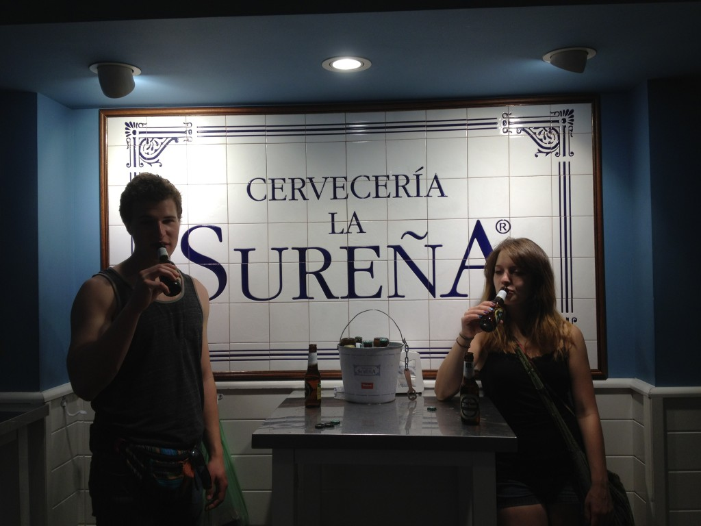 Cervecería la Sureña offers bucket of beer specials and tons of cheap tapas.