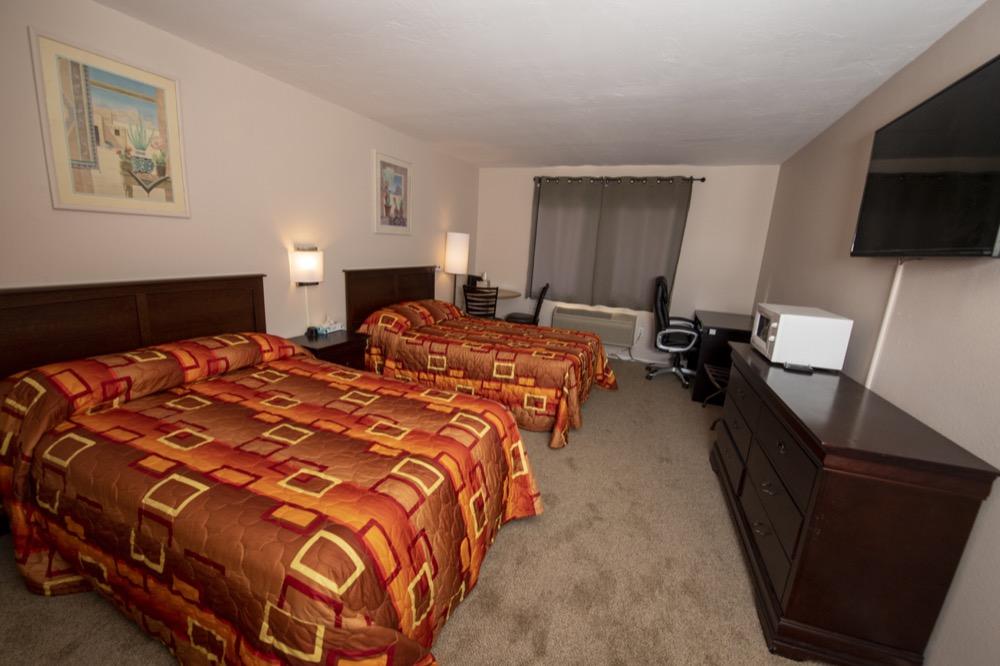 2 double bed in Trinidad Colorado
