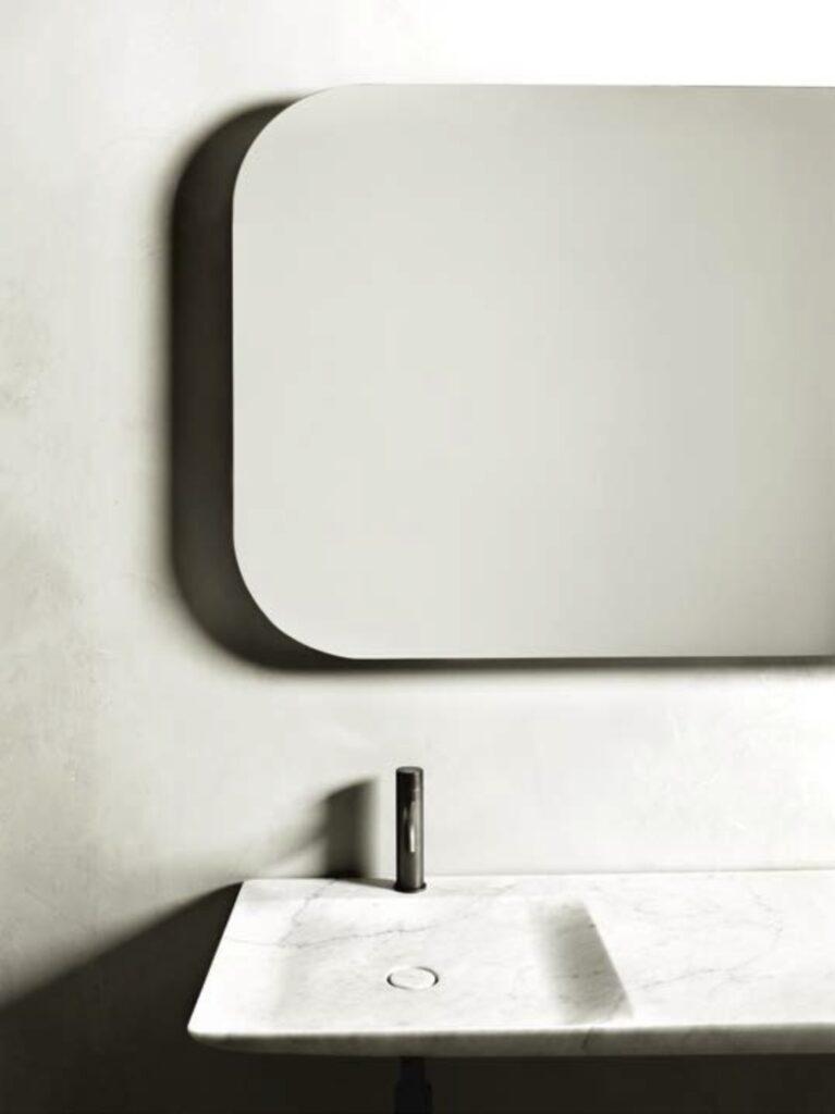 Pormenor da casa de banho do casal