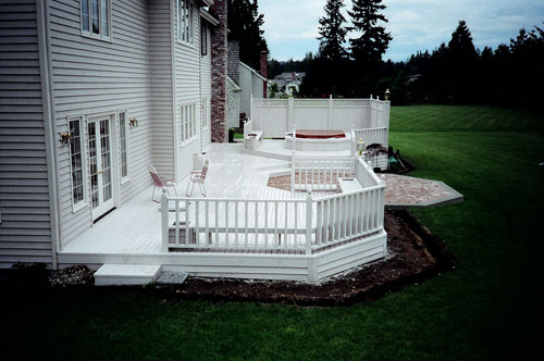Decks: More Outdoor Space for Your Enjoyment-image