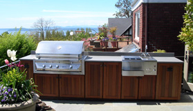 Outdoor Kitchens: An Entertainment Delight-image