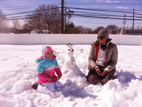 Mommy + Daughter Bonding: Let's build a snowman!