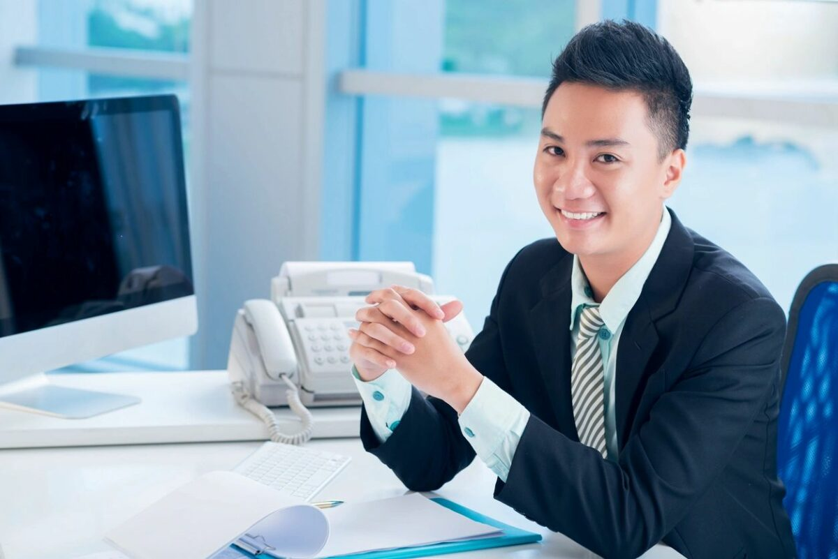 How do I become a business analyst ?