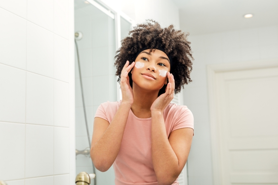 How your hormones affect your skin
