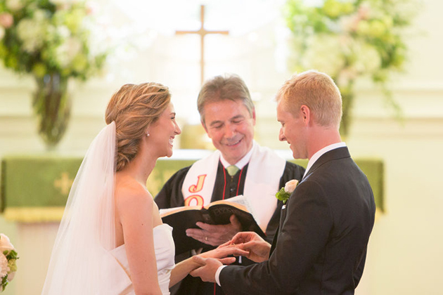 What You Should Know Before Hiring an Officiant