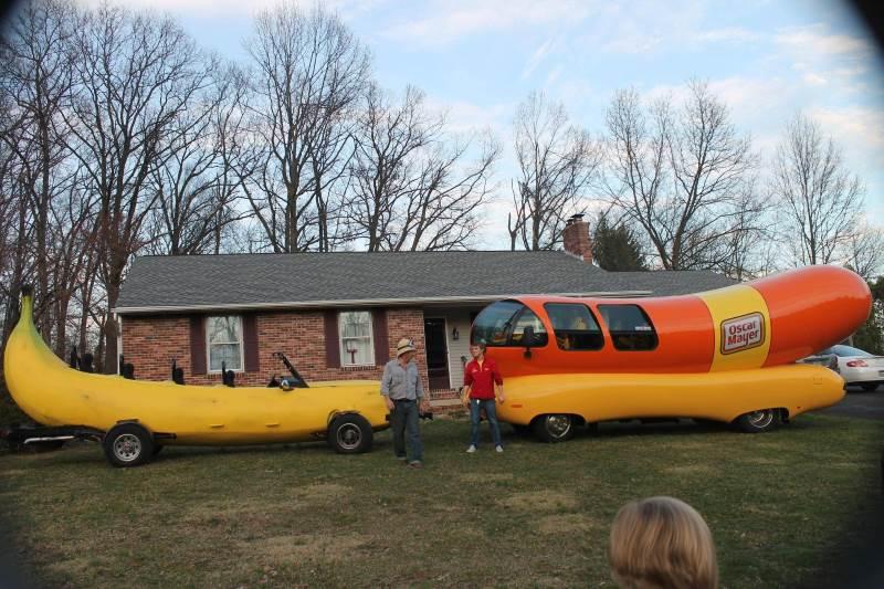 banana mobile oscar mayer weiner mobile big car