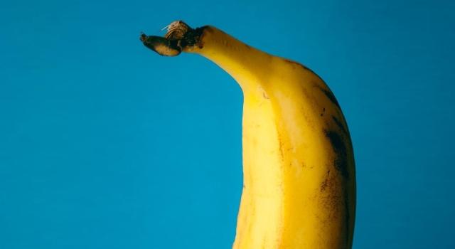 put a banana in your ear, banana, funny, banana nutrition, vitamins in bananas, banana facts, banana trivia