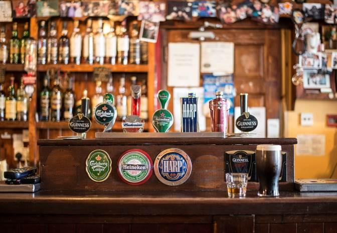 bar jokes, Irish jokes, funny joke of the day, Monkey Pickles