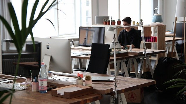 5 Fitness Hacks to Stay Healthy at Work