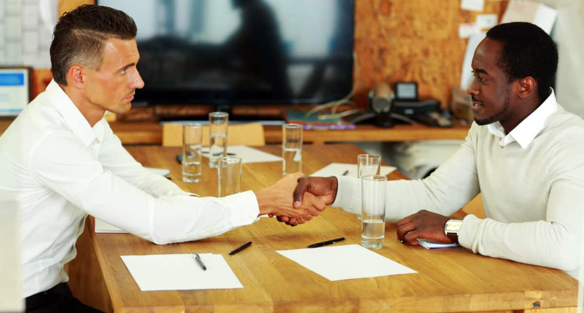 What Does a Commercial Broker Do?
