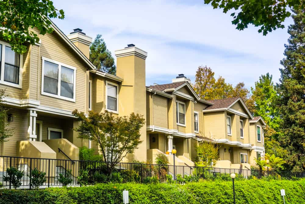 multifamily real estate brokers and property image
