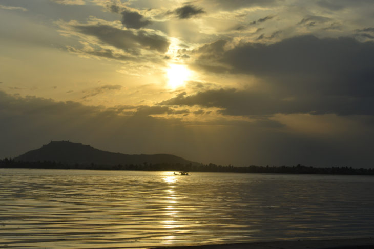 Soothing view of Shikara in Dal Lake at Kashmir/SilkRouteTraveller/Ahmad Mukhtiyar