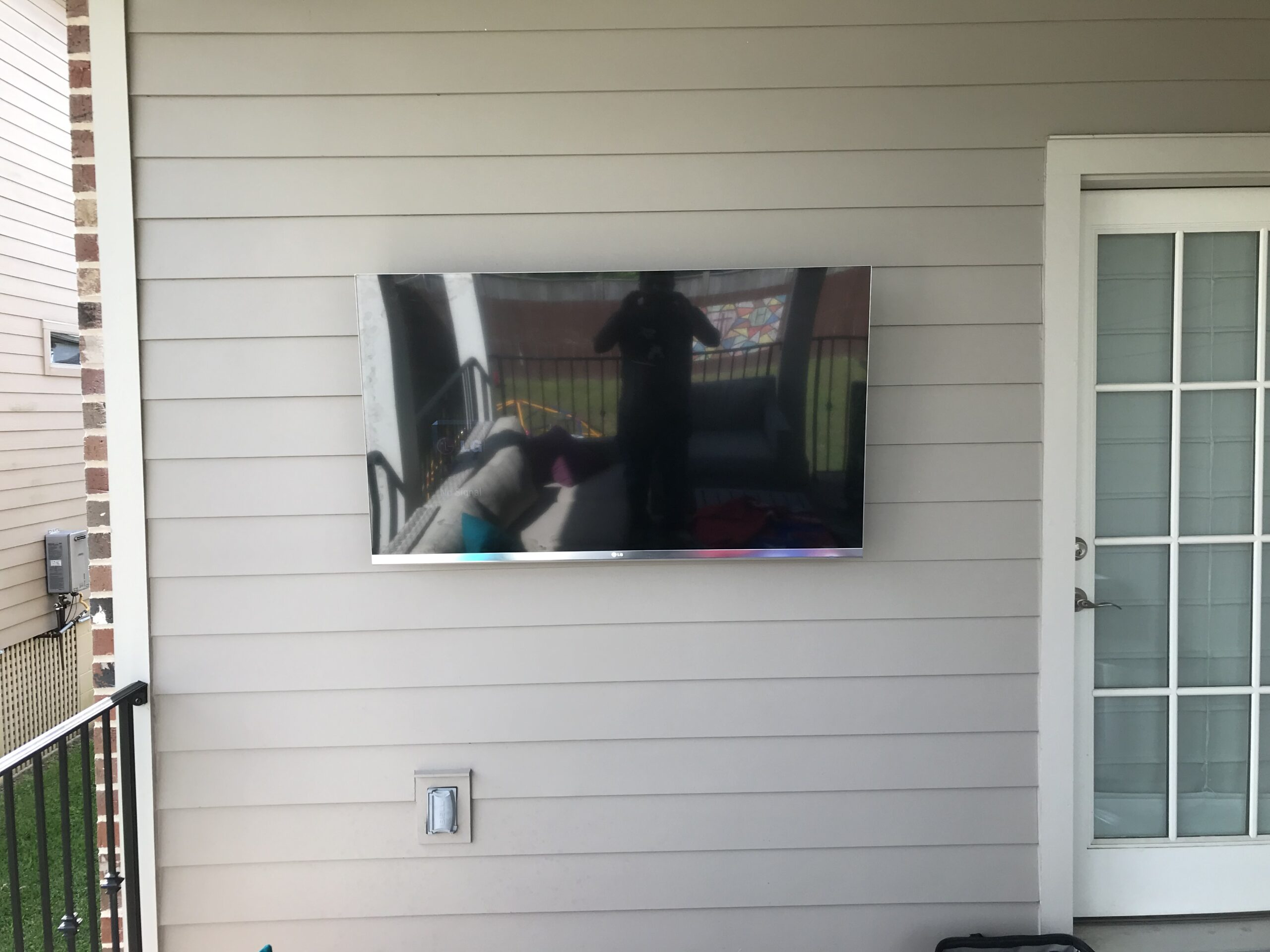 Exterior TV Mounting Job by the professionals, Customers patio TV. post thumbnail