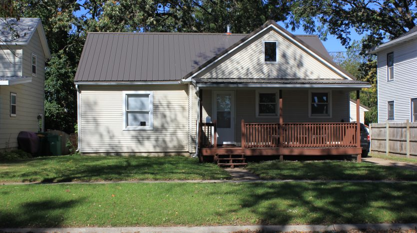 house for rent Independence Iowa 50644