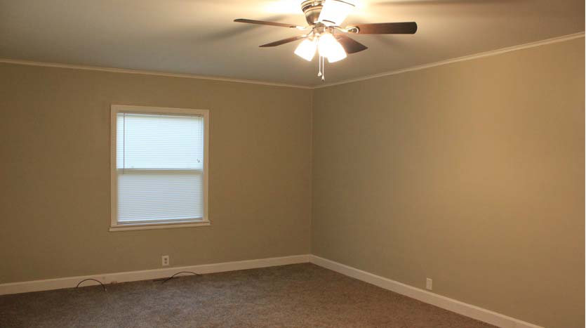 Living Room In House For Rent - Independence, IA 50644