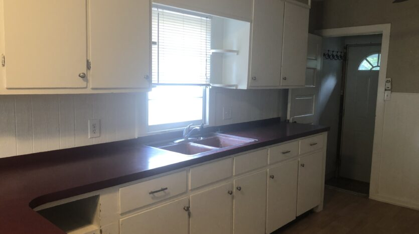 kitchen cabinets in house for rent independence