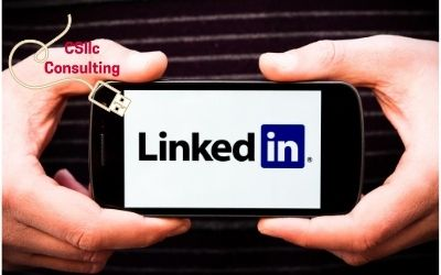 photo of someone holding plaque with linkedin logo
