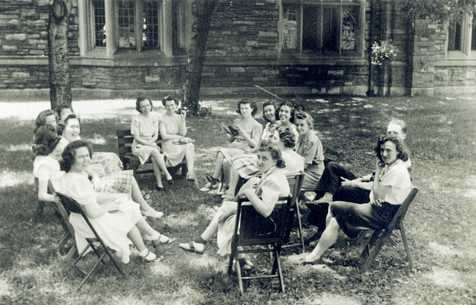 Scarritt College students meet for class on the lawn, 1942.