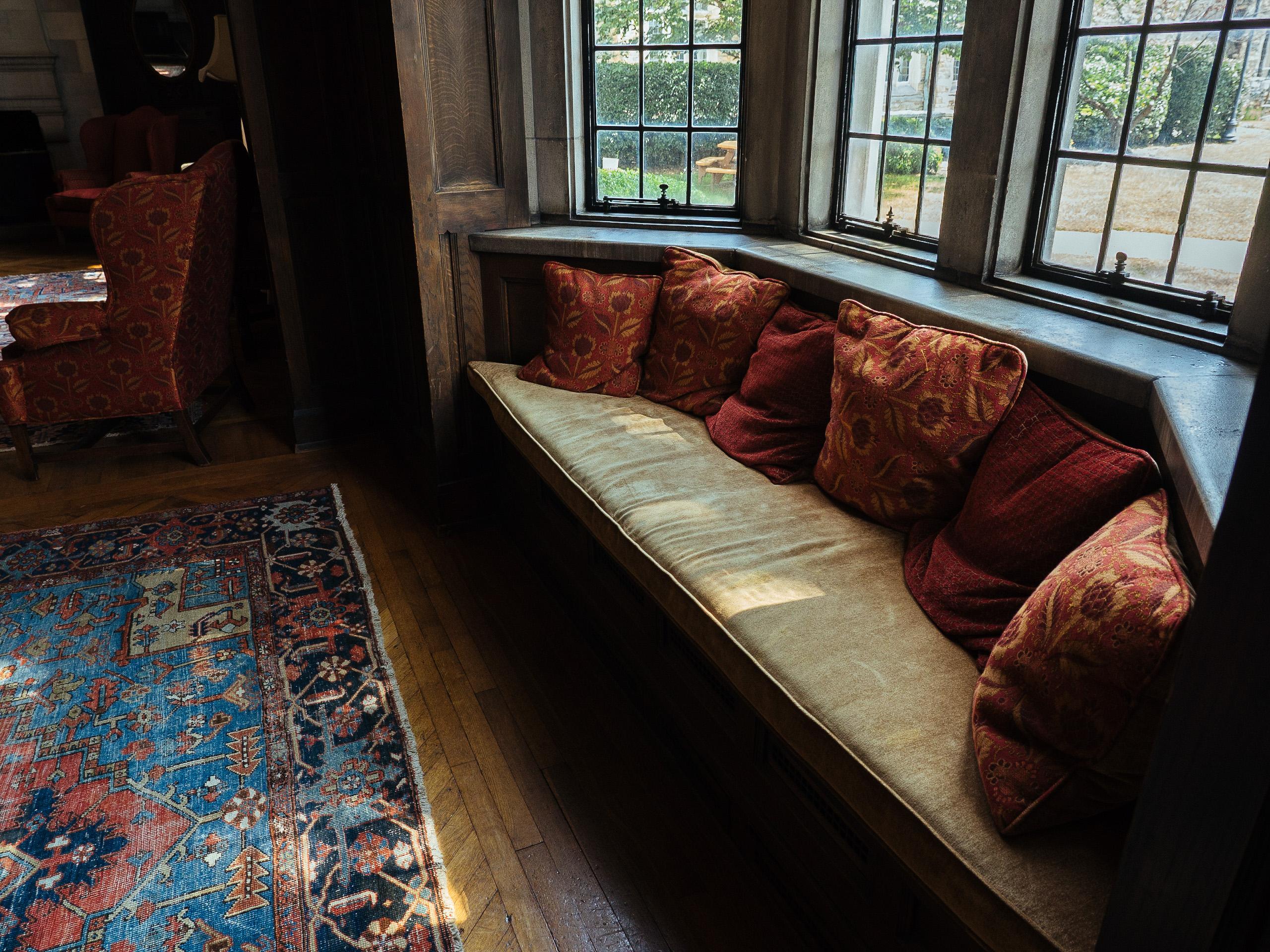 bay window with window seat and beautiful furniture