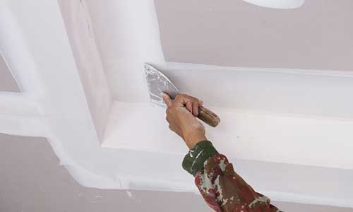 Applying Drywall Joint Compound