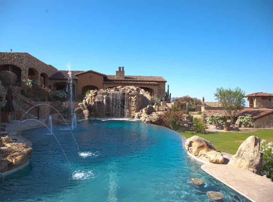 3 Benefits of Swimming Pool Waterfalls