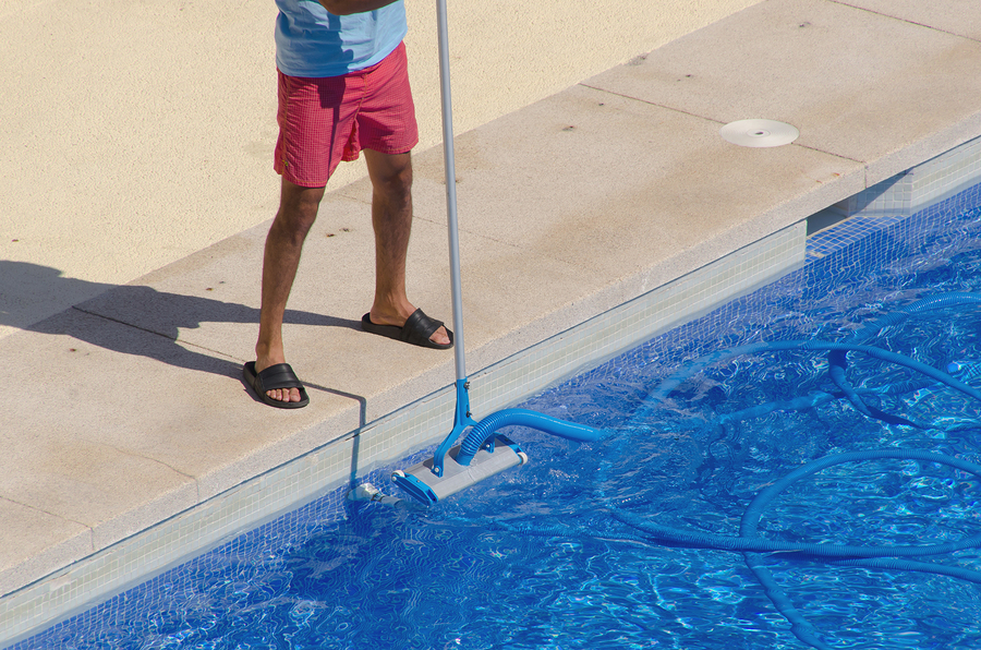Controlling Pool Algae in Warmer Weather