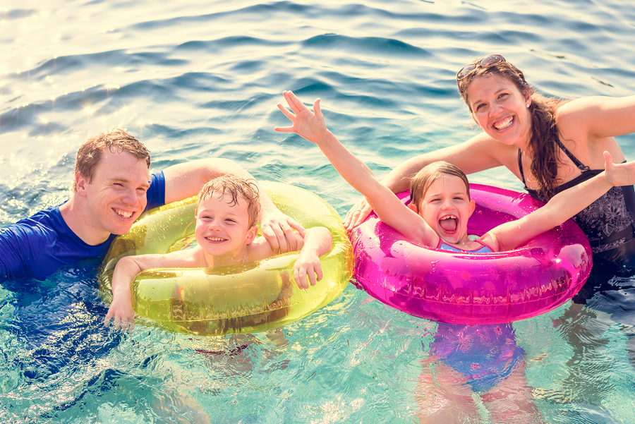 5 Pool Games That The Whole Family Can Enjoy - Arizona Pool Builder