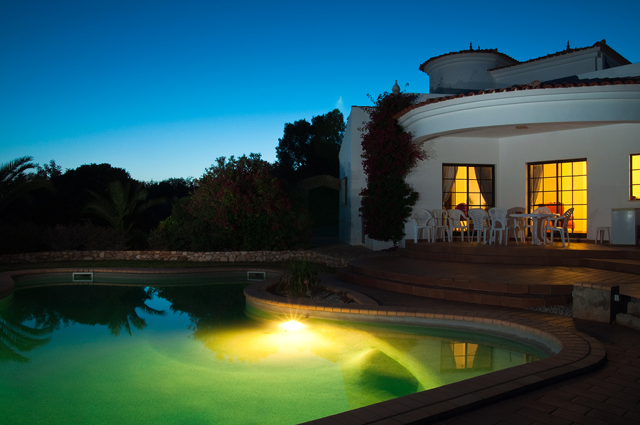 Creating a Focal Point for Your Swimming Pool in Arizona