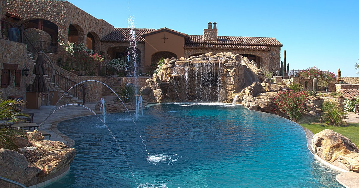 Swimming Pool Water Feature Designs