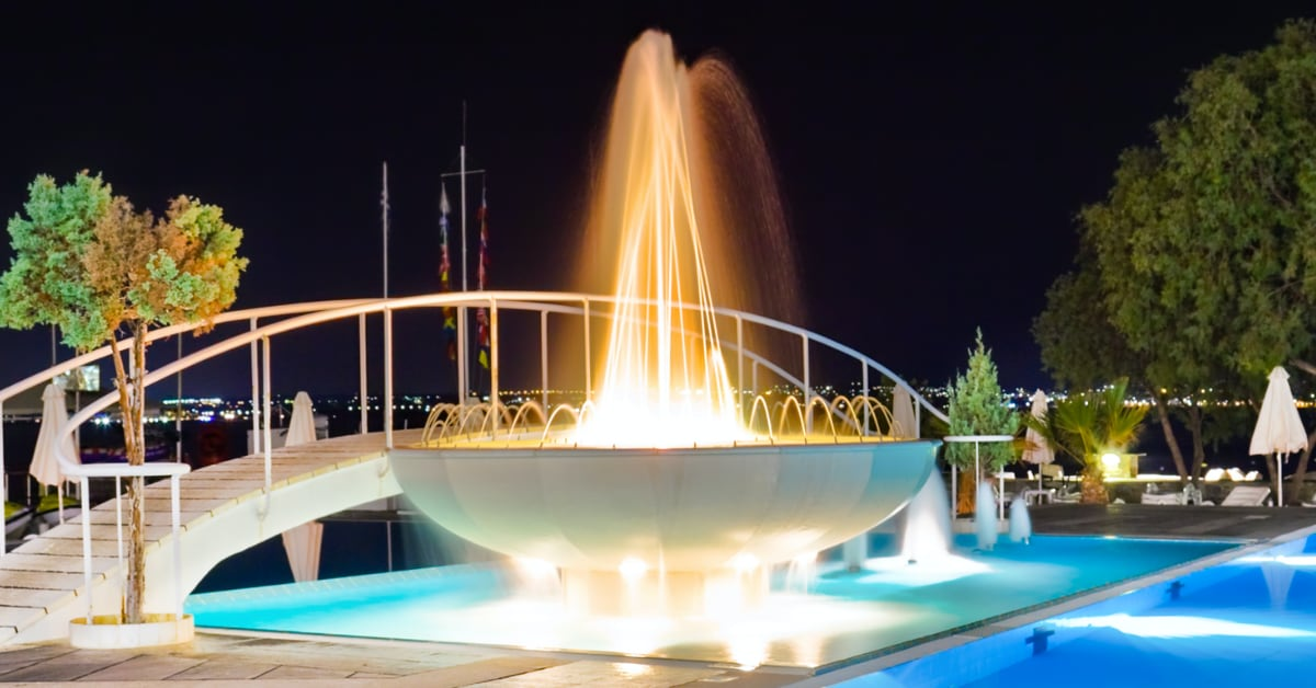 Build a World Famous Fountain in Your Fountain Hills AZ Pool