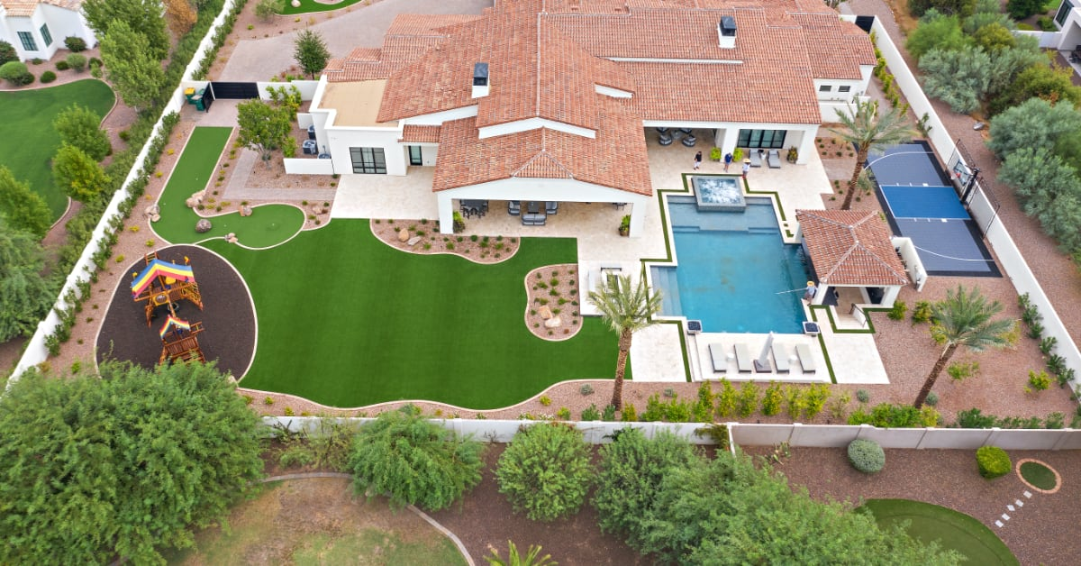 4 Delightful Arizona Pool Landscaping Ideas
