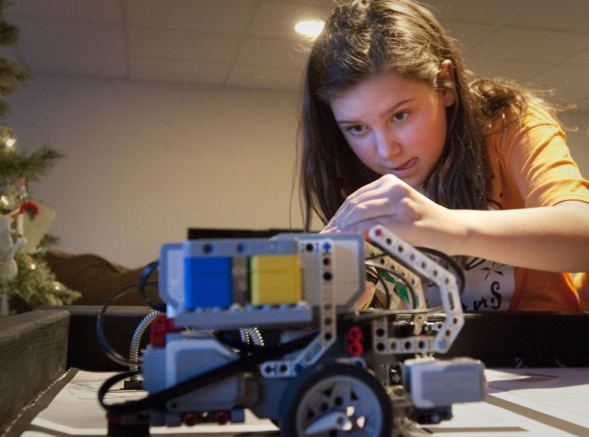 STUDY: Girls Use Tech Better Than Boys for Problem-solving