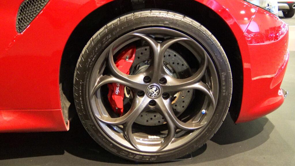 2019 Alfa Romeo Quadrifoglio rims