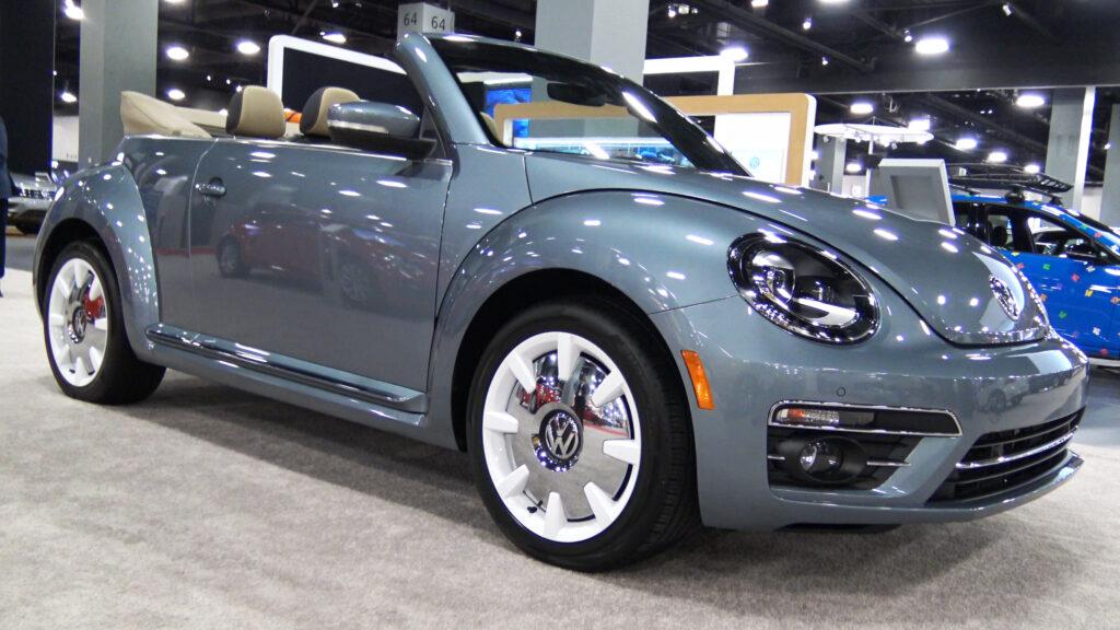 2019 Volkswagen Beetle Convertible Final Edition in Blue