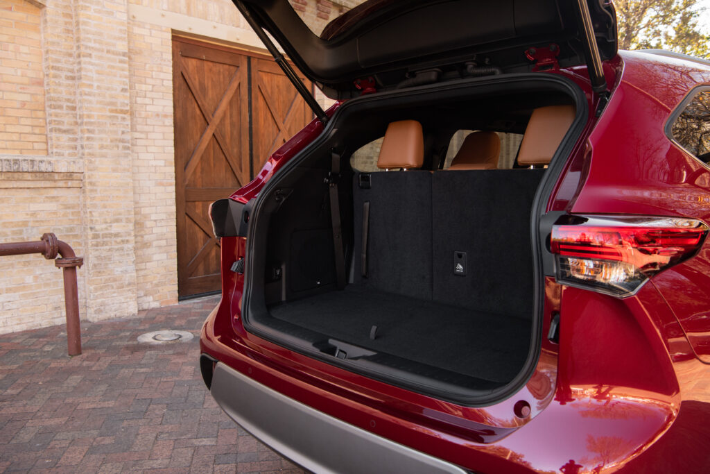 2020 Toyota Highlander Hybrid Trunk Space  BEST Road-Trip Cars of 2020