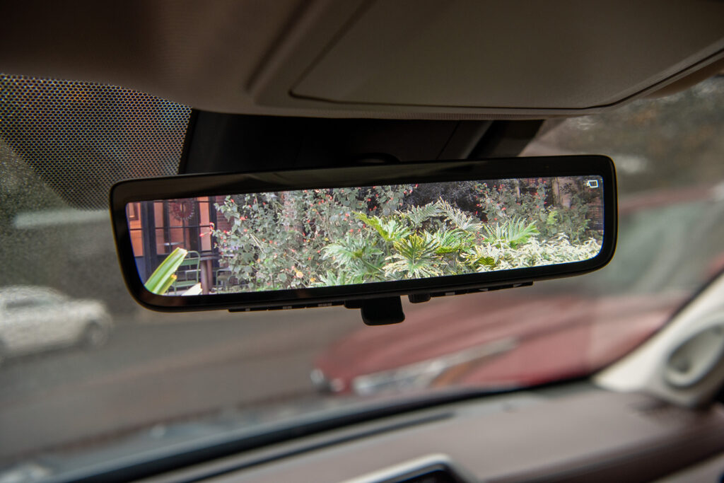 Digital Rearview Mirror_2020 Toyota Highlander Hybrid