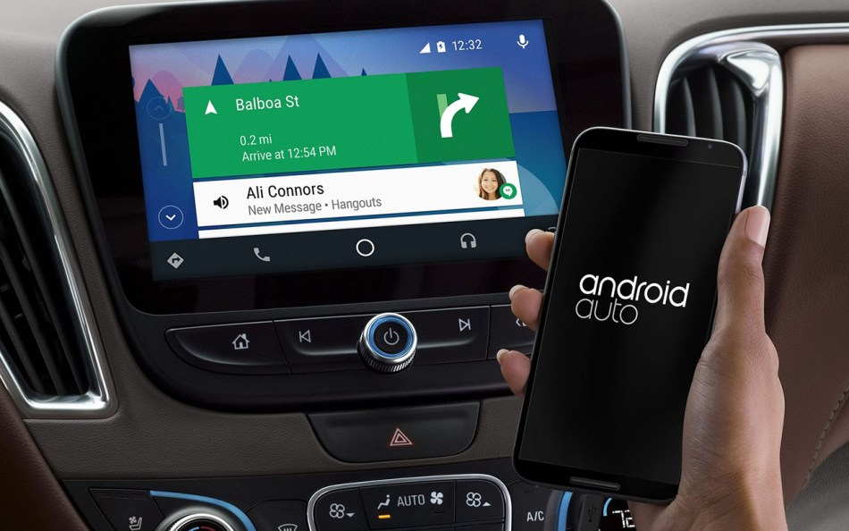 Android Auto_Phone In Hand_Chevrolet
