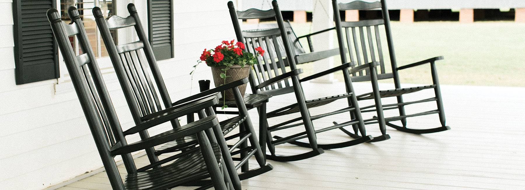 Rocking Chairs on Porch - The Peach Pelican