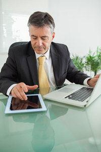 Executive using LinkedIn