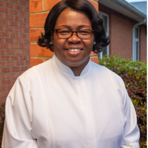 Rev. Lillian Moore headshot
